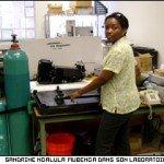 Sandrine Ngalula Mubenga, maman d'une voiture hybride dans Mention bien SN1-150x150